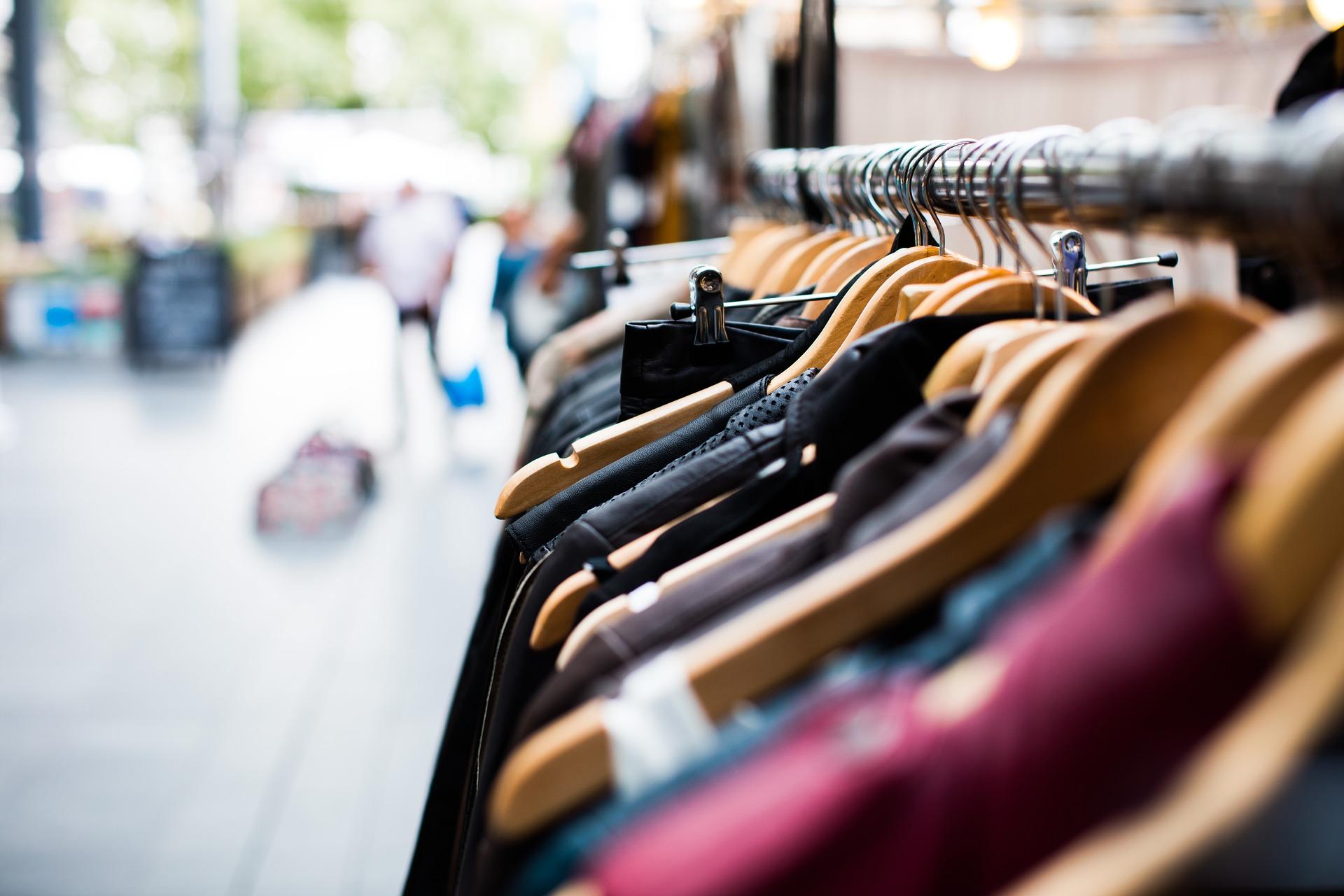 كيف أبدأ في مشروع تجارة الملابس